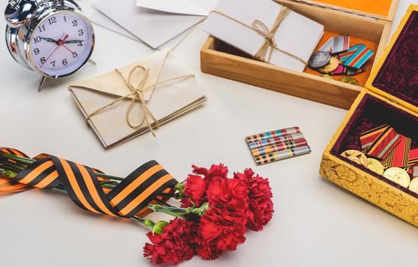 Картинка цветы, праздник, день победы, георгиевская лента, 9 мая, медали, гвоздики, письма