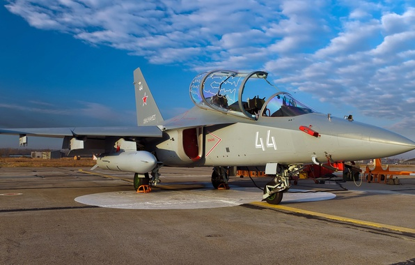Картинка ВВС России, ОКБ Яковлева, Як-130, лёгкий штурмовик, российский учебно-боевой самолёт