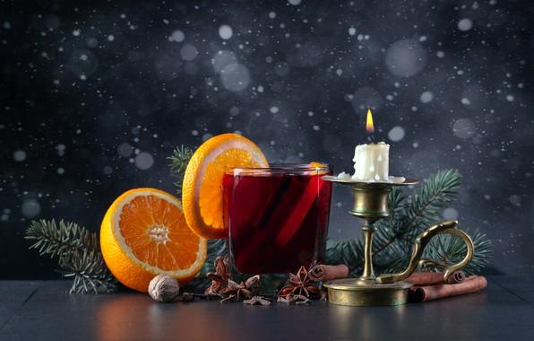 Картинка снежинки, стакан, стол, фон, огонь, праздник, апельсин, свеча, орех, Рождество, Новый год, напиток, корица, подсвечник, …