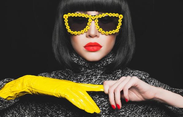 Картинка fashion, model, brunette, yellow eyeglasses, Yellow glove