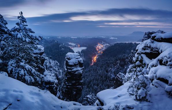 Фото обои зима, снег, деревья, горы, Германия, панорама, Germany, Саксонская Швейцария, Saxon Switzerland, Эльбские Песчаниковые горы, Elbe ...