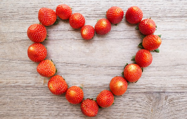 Картинка любовь, ягоды, сердце, клубника, love, fresh, heart, wood, romantic, strawberry, berries