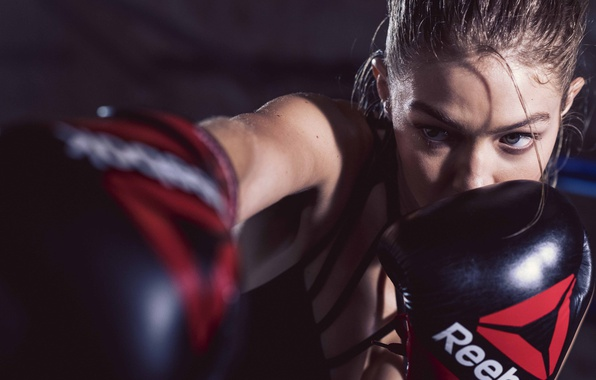 Картинка model, gloves, Reebok, Gigi Hadid, boxe