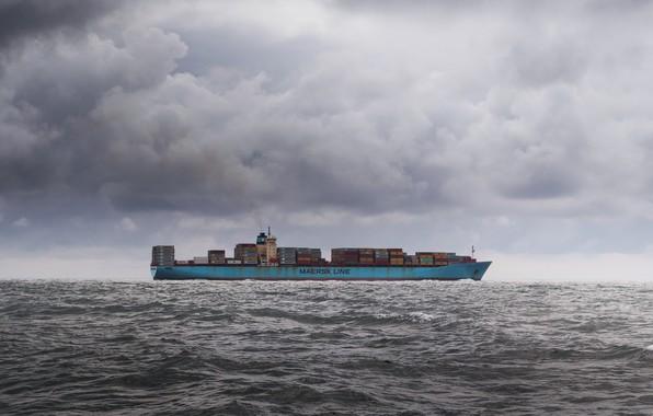 Картинка море, небо, корабль, баржа, контейнеровоз
