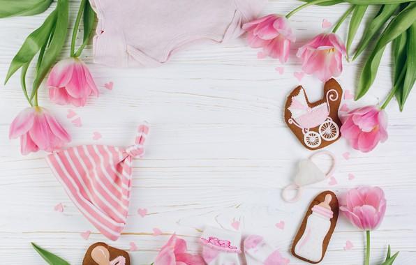 Картинка цветы, фон, праздник, Тюльпаны, печенье, соски, рождение, бутоны, открытка, новорожденный, бутылочки
