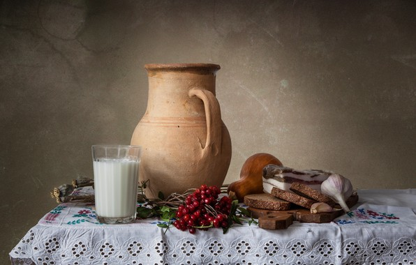 Картинка стакан, мак, молоко, хлеб, тыква, кувшин, натюрморт, чеснок, калина, сало