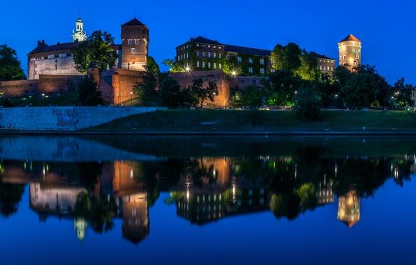 Картинка ночь, огни, отражение, река, замок, Польша, Краков, Wawel Castle