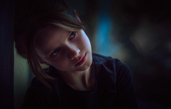 Фото обои задумчивость, взгляд, девочка
