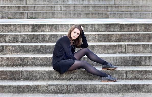 Картинка девушка, ступеньки, ножки, Weekly Imogen