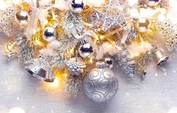 Картинка праздник, шары, игрушки, серебро, новый год, бусы, колокольчики, шишки, ветки ели
