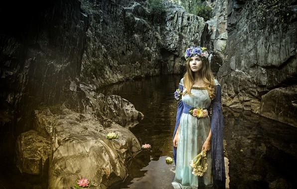 Картинка девушка, цветы, горы, река