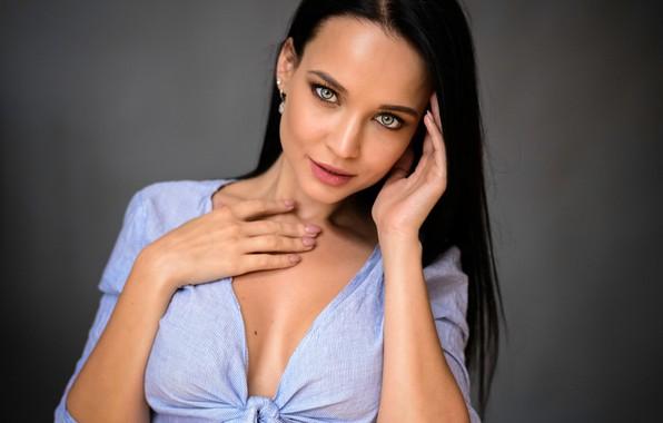 Картинка секси, поза, фон, модель, портрет, макияж, брюнетка, прическа, рубашка, красотка, боке, Angelina Petrova, Ангелина Петрова, …