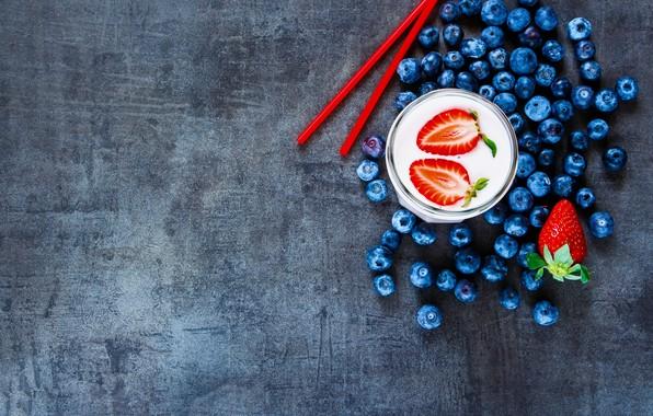 Картинка ягоды, завтрак, черника, клубника, смузи с кефиром