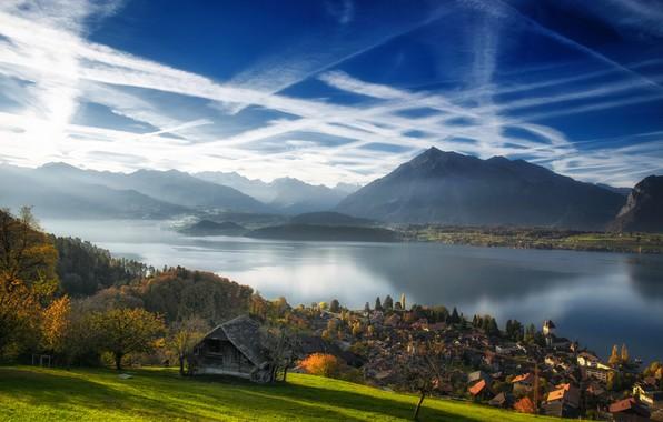 Картинка осень, облака, горы, озеро, Швейцария, деревня, Switzerland, Lake Thun, Bernese Alps, Бернские Альпы, Тунское озеро, …