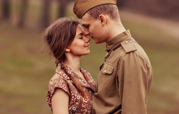 Фото обои гимнастёрка, пилотка, 9 мая, День Победы, встреча, солдат, девушка, парень, ретро, влюблённые