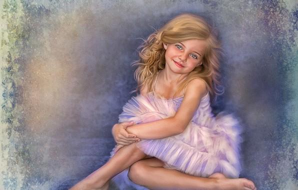 Картинка улыбка, фон, девочка, розовое платье