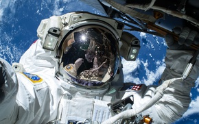 Картинка скафандр, Земля, МКС, астронавт