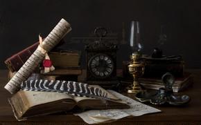 Обои перо, книги, трубка, часы, чернильница, свиток, лампа