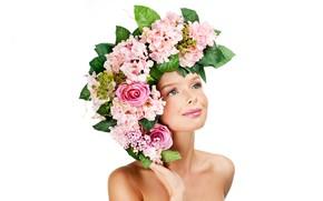 Картинка листья, девушка, цветы, лицо, улыбка, портрет, макияж, белый фон, венок, симпатичная