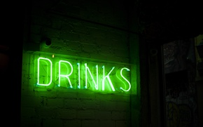 Обои надпись, green, неоновая подсветка, drinks, неоновая вывеска, лампа, неон, трубка, neon, выпивка, зеленый, свет, подсветка, ...
