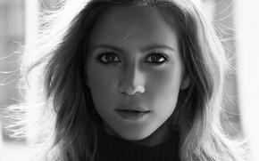 Картинка взгляд, портрет, макияж, актриса, прическа, черно-белое, свитер, Brittany Snow, Yahoo Style, Alisha Goldstein, Бриттани Сноу