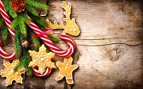 Обои угощения, праздник, леденцы, печенье, ветки ели