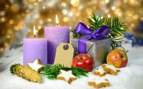 Картинка снег, ветки, блики, фон, огонь, праздник, подарок, яблоки, свечи, печенье, Рождество, Новый год, звёздочки, шишка, …