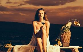 Картинка листья, девушка, закат, поза, вино, корзина, бокал, вечер, платье, прическа, виноград, шатенка, красивая, сидит, в …