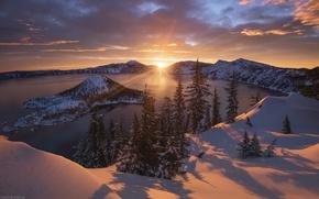 Картинка зима, солнце, свет, снег, горы, озеро, вулкан, США