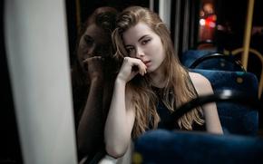 Картинка стекло, девушка, свет, отражения, ночь, огни, автобус, боке
