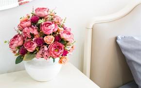 Обои цветы, кровать, букет, пионы, пионы у кровати