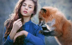 Обои взгляд, настроение, снег, рыжая, девушка, длинные волосы, лиса