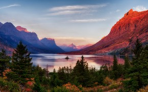 Обои США, Glacier National Park, закат, скалы, небо, осень, озеро, деревья, горы