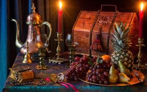 Обои виноград, бокалы, груши, ананас, фрукты, натюрморт, сундук, книга, свечи, кофейник, стиль