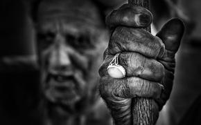 Картинка рука, перстень, чёрно - белое фото, conversation piece