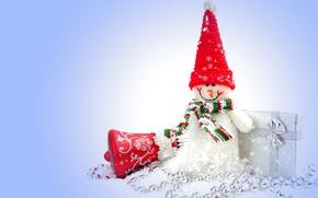 Картинка праздник, подарок, бусы, снеговик, колокольчик, колпак