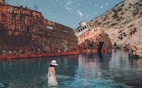 Обои Греция, кораблекрушение, Эгейское море, ситуация, Остров Аморгос, ржавые корабли, Amorgos Island, море, девушка, Greece, Aegean ...