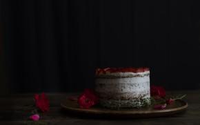 Картинка бутон, клубника, торт, крем, сладкое, розы красные