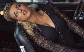 Картинка авто, модель, макияж, прическа, блондинка, блузка, красотка, салон, в кресле, позирует, сидя, David Ben Haim, …