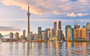 Картинка небо, облака, озеро, побережье, здания, башня, дома, небоскребы, Канада, Toronto