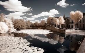 Картинка небо, облака, деревья, мост, дом, река, Франция, инфракрасный снимок, Дордонь