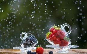 Обои wallpaper, еда, ням-ням, сочно, капли, фруктовый, клубника, витамины, позитив, натурпродукт, ягоды бодрость, чашки блюдца, размытость ...