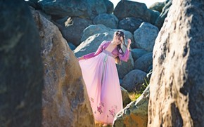 Картинка девушка, стиль, камни, платье
