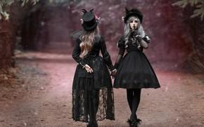 Обои дорога, стиль, шляпки, две девушки, жест, в чёрном, платья, фотограф Светлана Никотина, Мила Рогова, Катя ...