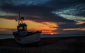 Обои закат, лодка, берег, море
