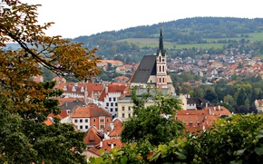 Картинка деревья, ветки, листва, дома, крыши, Чехия, городок, Cesky Krumlov