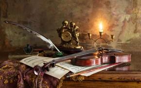 Обои скрипка, чернильница, часы, ноты, свеча, перо