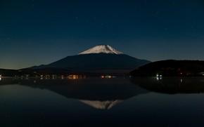 Картинка небо, звезды, отражение, гора, вулкан