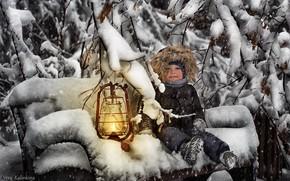 Картинка зима, снег, улыбка, лампа, мальчик