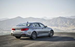 Картинка небо, асфальт, горы, серый, BMW, сзади, седан, вид сбоку, 540i, 5er, M Sport, четырёхдверный, 2017, …